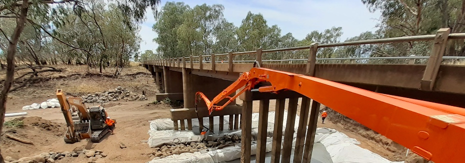 Bridge construction at Darling Downs (cr: Department of Transport and Main Roads)