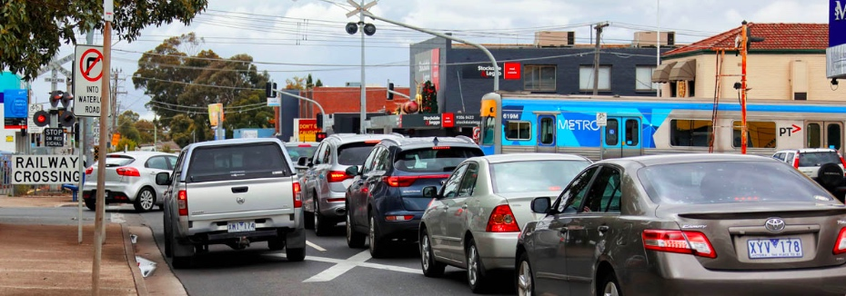 Glenroy Road level crossing (cr: Level Crossing Removal Project)