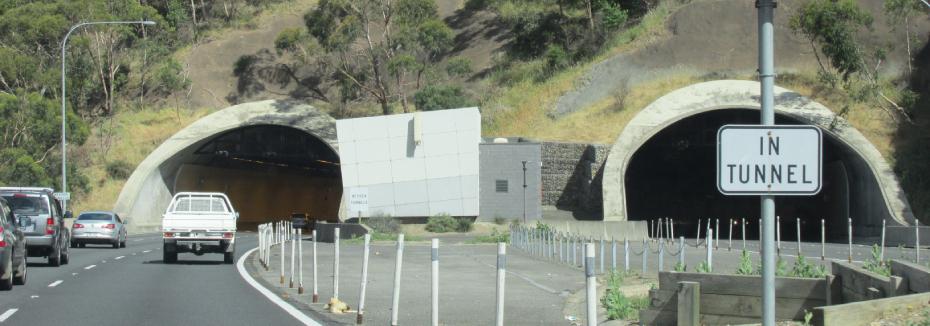 Heysen Tunnels (cr: Wikimedia Commons)